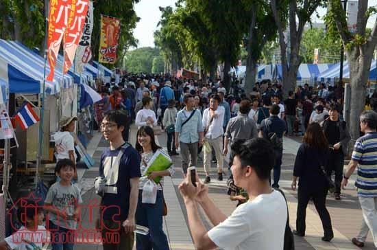 La culture vietnamienne se distingue lors d'une fete d'echange culturel au Japon hinh anh 2