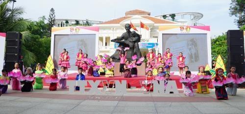 Anniversaire de la naissance du President Ho Chi Minh : des commemorations dans tout le pays hinh anh 1