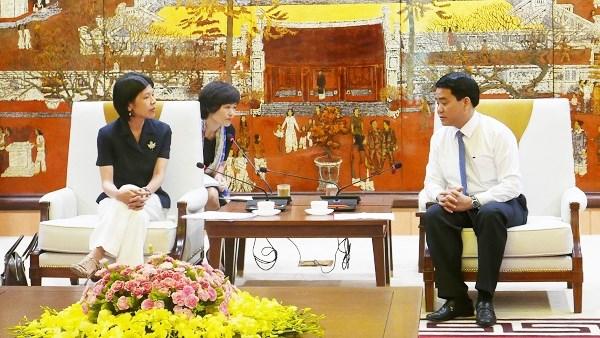 Hanoi collabore avec les organismes internationaux dans la lutte contre la pollution plastique hinh anh 1