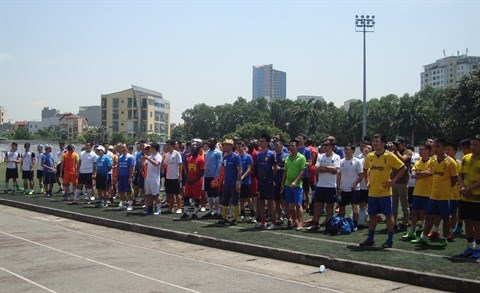 Football: All Stars remporte le 3e tournoi des anciens etudiants hinh anh 2