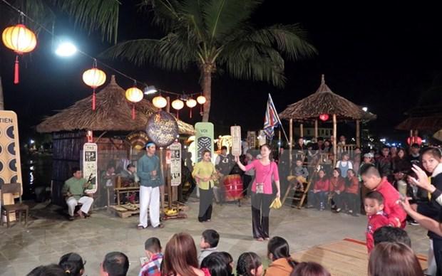 Patrimoine : Phu Yen recoit le certificat de l'UNESCO pour l'art du « bai choi » hinh anh 1