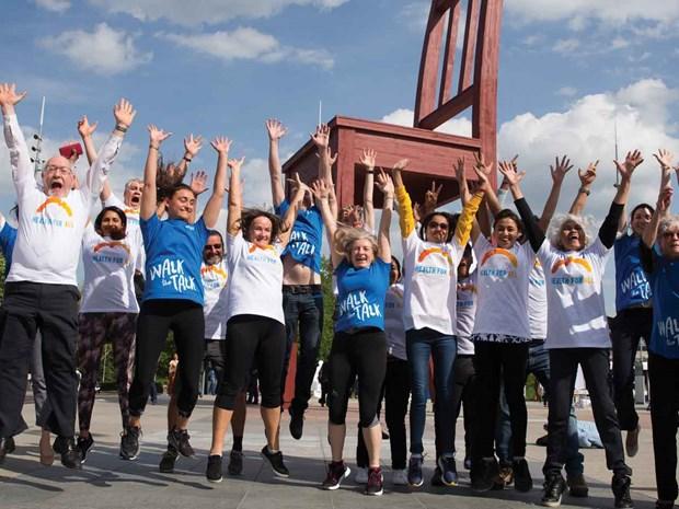 Le Vietnam participe a une course/marche organisee par l'OMS a Geneve hinh anh 1