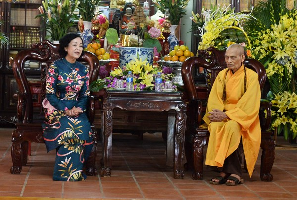 Felicitations au venerable Thich Pho Tue a l'occasion du 2562e anniversaire de Bouddha hinh anh 1