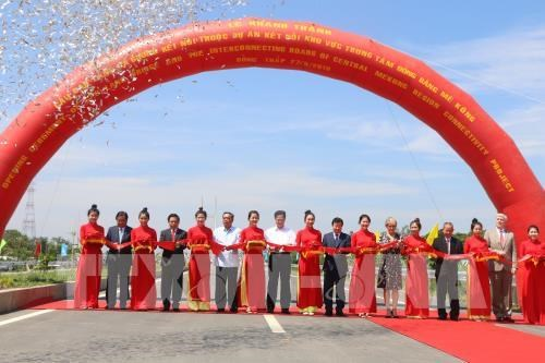 Le vice-PM vietnamien Trinh Dinh Dung recoit la ministre australienne des AE hinh anh 2