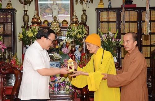 Activites a l'occasion du 2562e anniversaire de Bouddha dans plusieurs localites hinh anh 1
