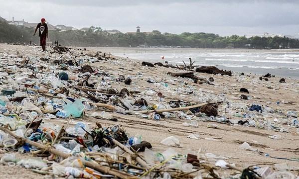 L'Indonesie determine a reduire les dechets plastiques hinh anh 1