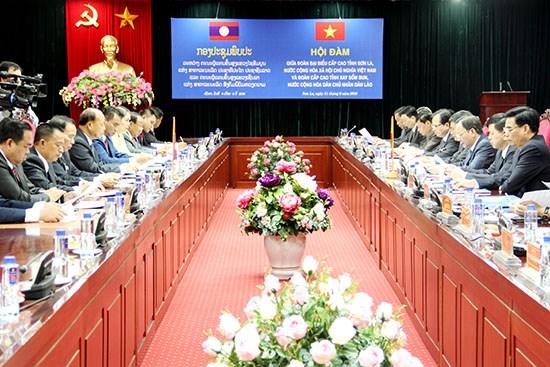 Son La et Xaysomboun (Laos) resserrent leur cooperation hinh anh 1