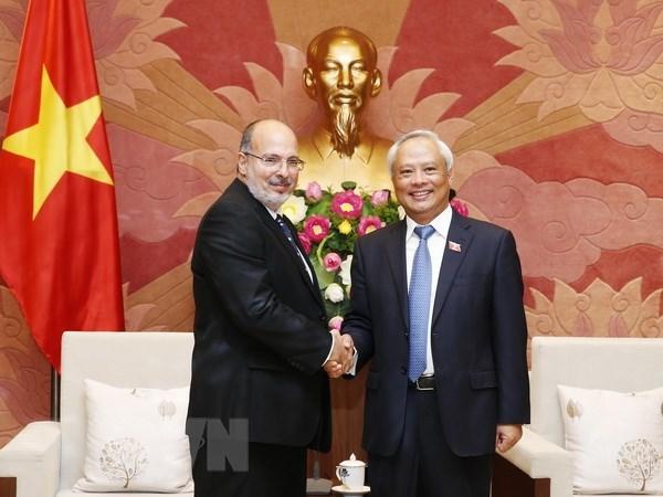 Le vice-president de l'AN Uong Chu Luu insiste sur l'amitie traditionnelle avec Cuba hinh anh 1