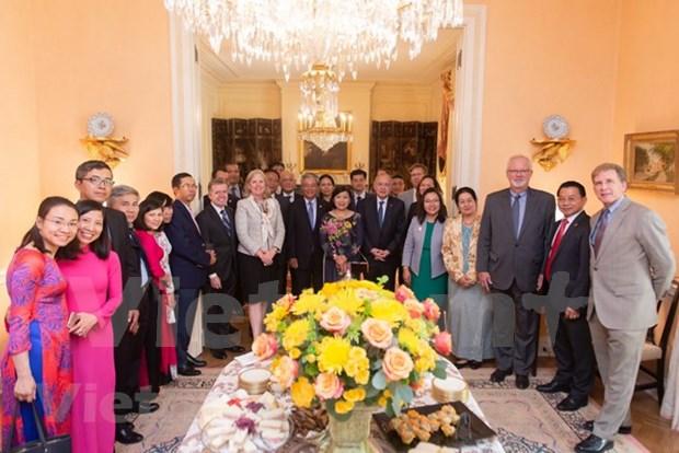 Les Etats-Unis disent au revoir a l'ambassadeur du Vietnam Pham Quang Vinh hinh anh 1