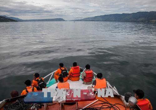 Naufrage en Indonesie: arreter le capitaine du ferry chavire au lac Toba hinh anh 1