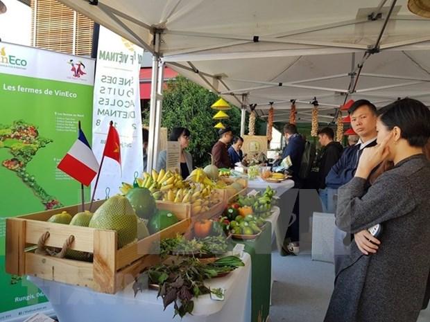 Des produits agricoles vietnamiens presentes au marche international de Rungis a Paris hinh anh 1
