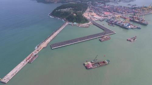 Le port de Da Nang a decharge une quantite record de marchandises en juin hinh anh 1