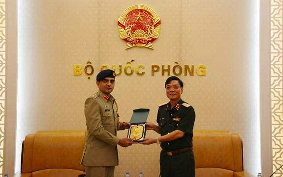Vietnam et Pakistan intensifient leur cooperation dans la defense hinh anh 1