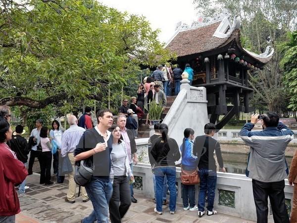 Le nombre de touristes a Hanoi en hausse de 10% au premier semestre hinh anh 1