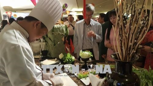 Promotion de la culture et de la gastronomie vietnamiennes en Thailande hinh anh 1
