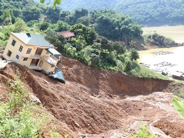 Catastrophes naturelles au Vietnam: message de sympathie du PM cambodgien hinh anh 1