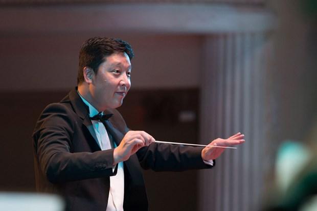 Le chef d'orchestre Le Phi Phi va diriger le concert des œuvres de Bach le 9 aout hinh anh 1