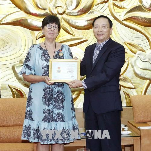 Mme l'ambassadeur de Belgique au Vietnam a l'honneur hinh anh 1