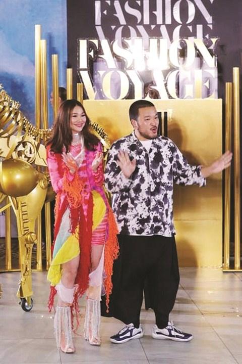 Le charme vestimentaire vietnamien sur la scene internationale hinh anh 2