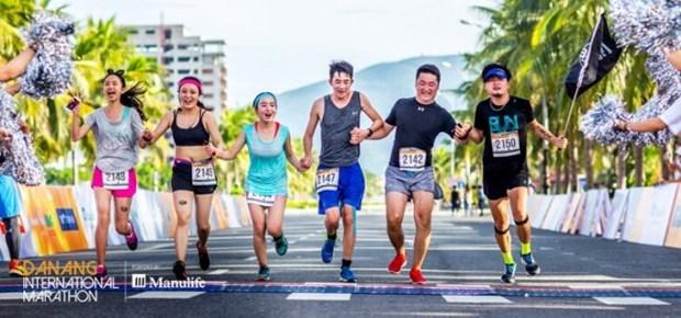 Plus de 7.000 coureurs au marathon international de Da Nang 2018 hinh anh 1