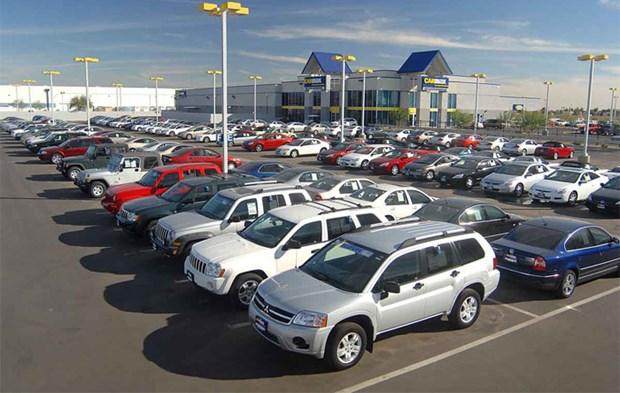 Afflux de voitures a petits prix thailandaises et indonesiennes au Vietnam hinh anh 1