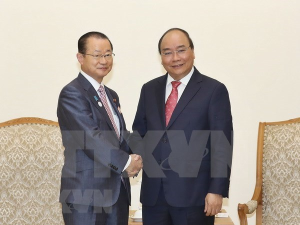 Nguyen Xuan Phuc recoit une delegation de la Chambre des representants du Japon hinh anh 1