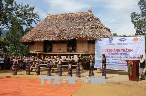 Thua Thien-Hue fait revivre l'architecture traditionnelle de l'ethnie Co Tu hinh anh 1
