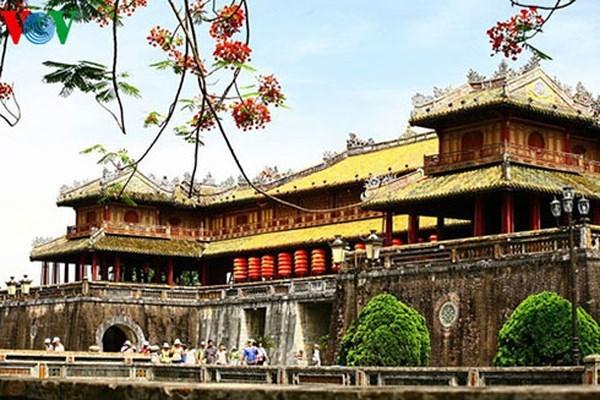 Celebration du 25e anniversaire de l'inscription des monuments de Hue au patrimoine mondial hinh anh 1