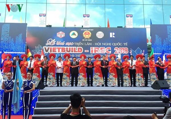 Ouverture de l'exhibition internationale Vietbuilt Hanoi 2018 pour la 2e phase cette annee hinh anh 1
