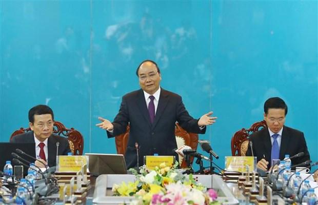 Premier ministre : le Vietnam doit devenir un pays puissant en technologies de l'information hinh anh 1