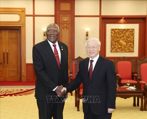 Le leader du PCV affirme la promotion des relations speciales Vietnam-Cuba hinh anh 1