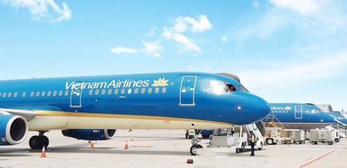 Les compagnies aeriennes ajustent leurs activites en raison du typhon Mangkhut hinh anh 1