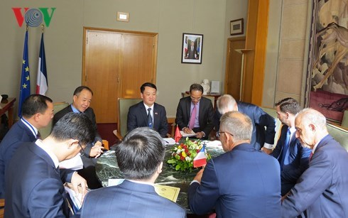 Vietnam et France intensifient leur cooperation dans l'environnement hinh anh 1
