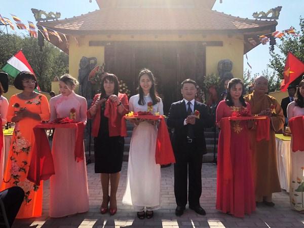 Le premiere pagode vietnamienne reconnue en Hongrie hinh anh 1