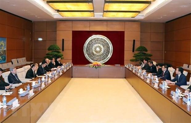 Un responsable du Parti recoit l'envoye special du Premier ministre japonais hinh anh 1