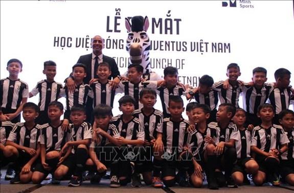 Inauguration de l'Academie footballistique Juventus Vietnam hinh anh 1