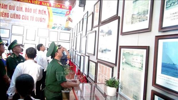 Exposition sur les archipels de Hoang Sa et Truong Sa a Quang Tri hinh anh 2