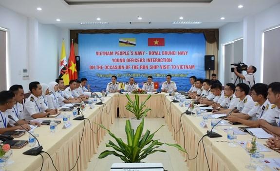 Programme d'echange entre jeunes officiers vietnamiens et bruneiens hinh anh 1