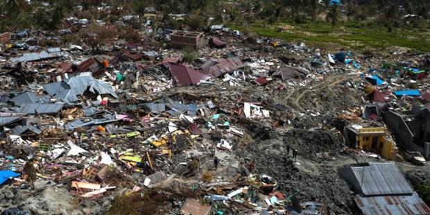 Seisme et tsunami en Indonesie: le bilan porte a pres de 2.000 morts hinh anh 1