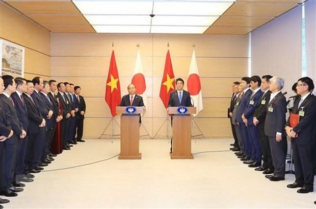 Vietnam-Japon : les deux PM president un point presse conjoint hinh anh 1