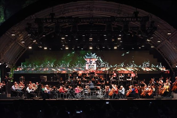 Le concert de l'Orchestre symphonique de Londres a Hanoi envoute les melomanes hinh anh 1