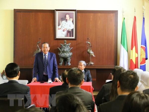 Le vice-PM Truong Hoa Binh poursuit sa visite au Vatican hinh anh 1