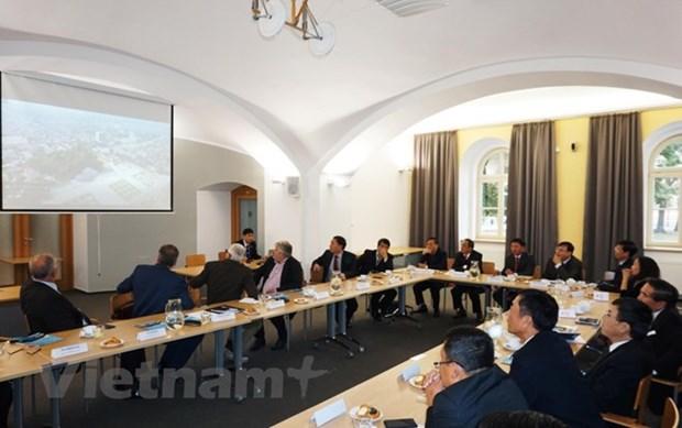 Tuyen Quang explore les opportunites de cooperation a Pardubice hinh anh 1