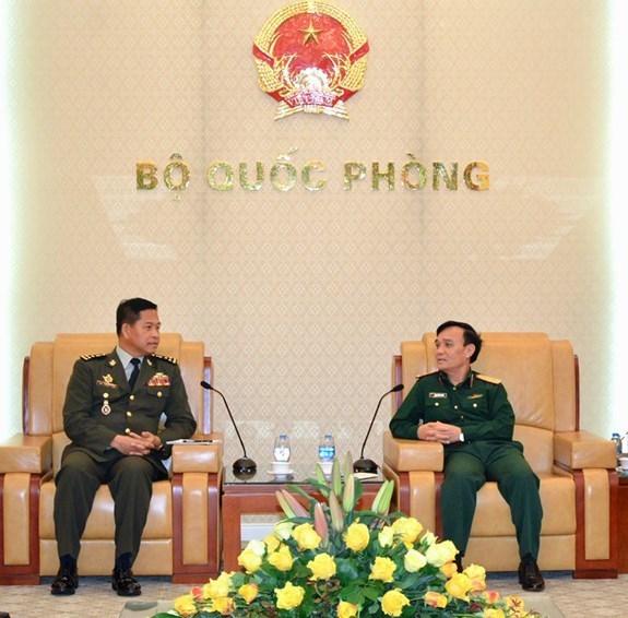 Le Vietnam et le Cambodge intensifient la cooperation en matiere d'information militaire hinh anh 1