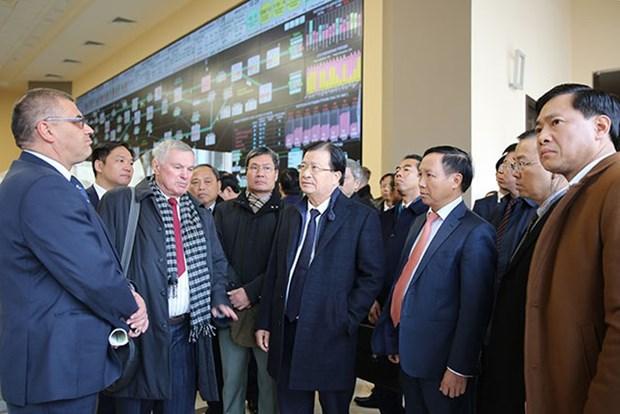 Activites du vice-Premier ministre Trinh Dinh Dung en Russie hinh anh 1
