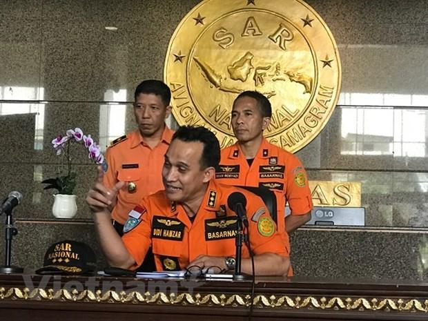 Crash d'avion en Indonesie : les recherches de corps des victimes devraient durer sept jours hinh anh 1