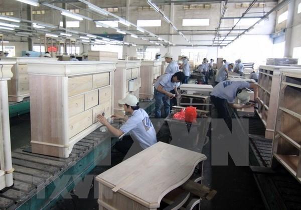 Plus de 400 entreprises vietnamiennes exportent du bois vers l'Europe hinh anh 1