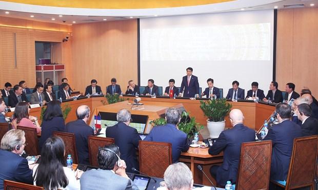 Hanoi encourage les entreprises francaises a investir dans la ville intelligente hinh anh 1