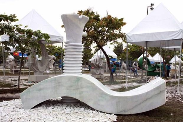 Cloture du camp international de creation de sculptures de HCM-Ville hinh anh 1