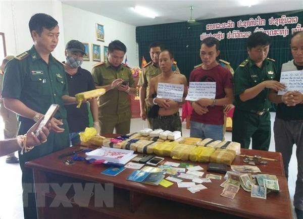 Quang Tri: Arrestation de trois trafiquants laotiens de drogue hinh anh 1